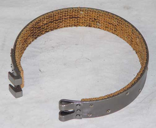 R29904 Case 310 350 350B steering brake band